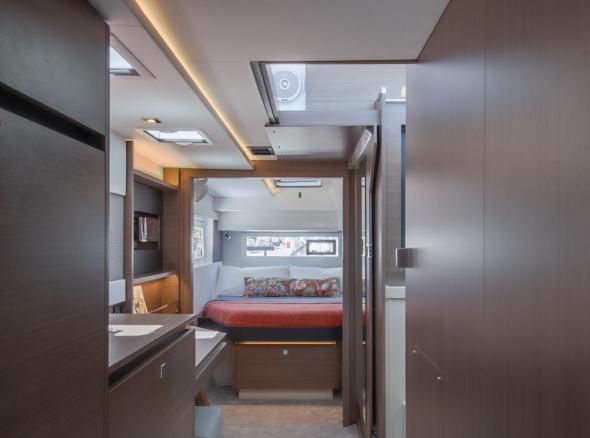 Moorings 4200 Owner Suite
